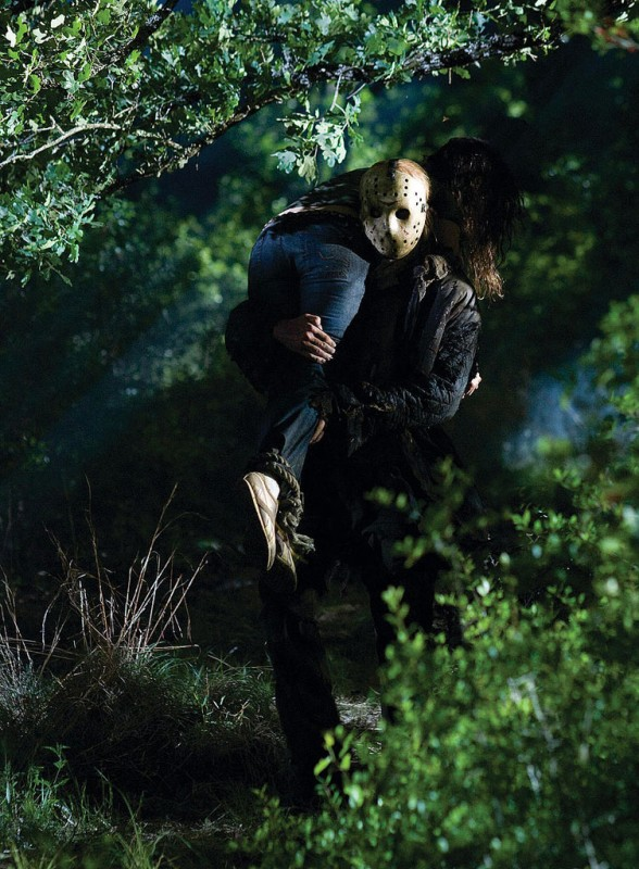 Derek Mears in una sequenza del film Venerdì 13