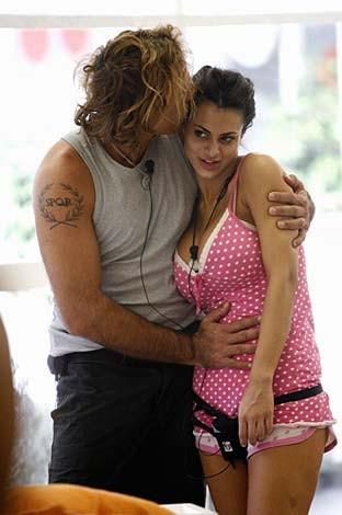Grande Fratello 9: Cristina e il surfista Vittorio