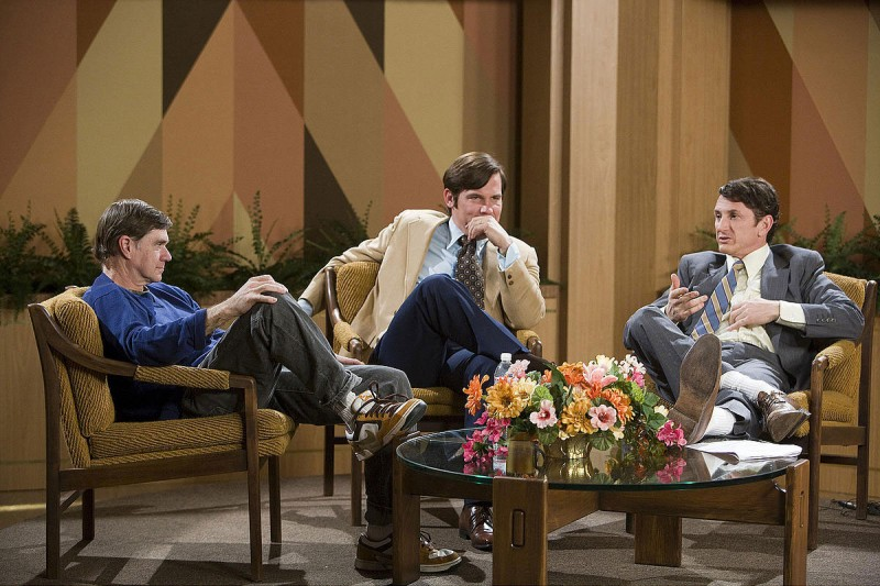 Il regista Gus Van Sant, Josh Brolin e Sean Penn sul set del film Milk