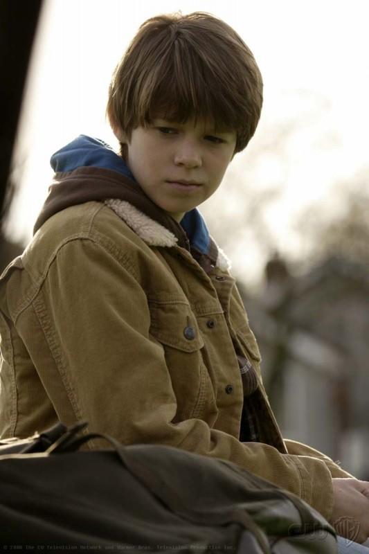 Colin Ford in una scena dell'episodio Afterschool Special di Supernatural