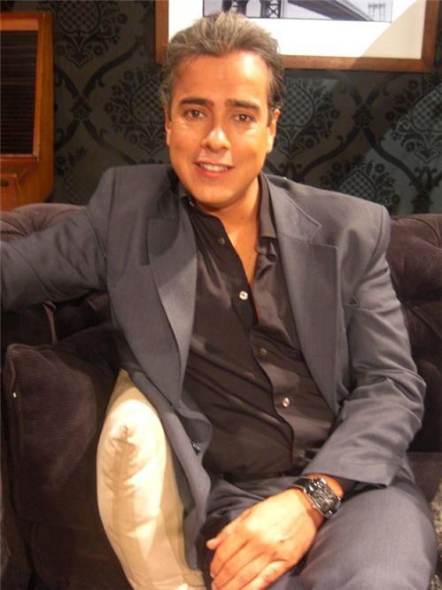 Jorge Enrique Abello durante la presentazione della serie Aqui no hay quien viva