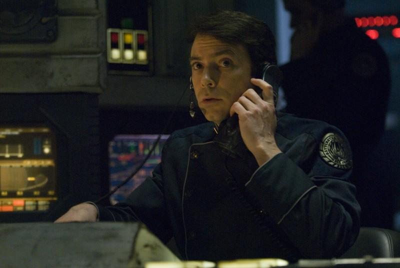 Brad Dryborough in una scena di The Oath da Battlestar Galactica