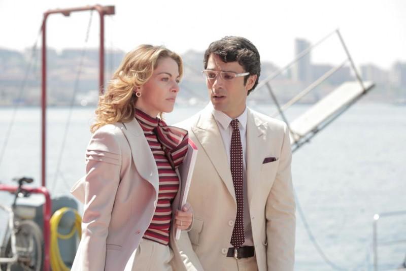 Claudia Gerini e Luca Argentero in una sequenza del film Diverso da chi? diretto da Umberto Carteni