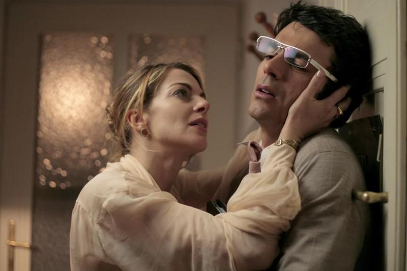 Claudia gerini e luca argentero in una sequenza di diverso - Diversi da chi film ...