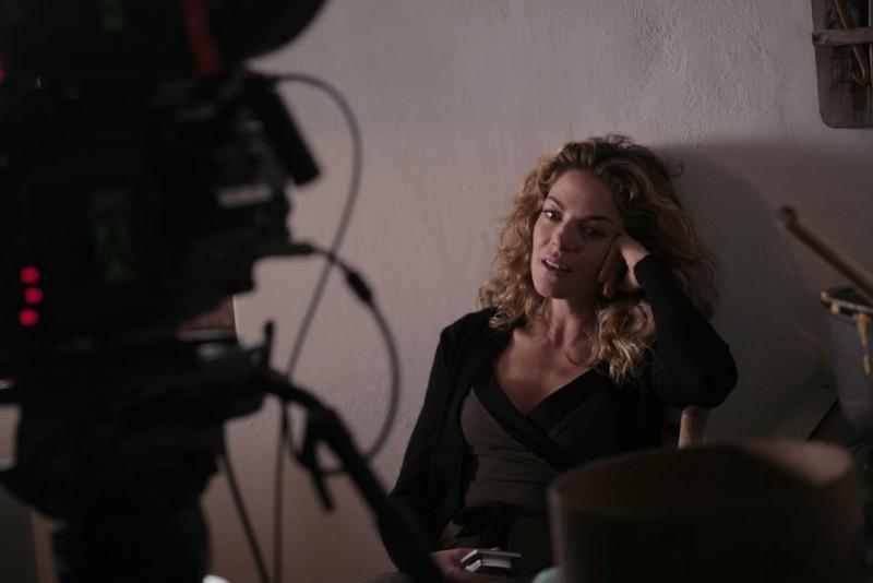Claudia Gerini sul set del film Diverso da chi?