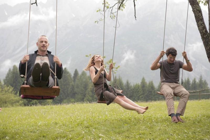 Filippo Nigro, Claudia Gerini e Luca Argentero sono i protagonisti del film Diverso da chi?