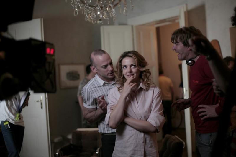Filippo Nigro e Claudia Gerini sul set del film Diverso da chi?