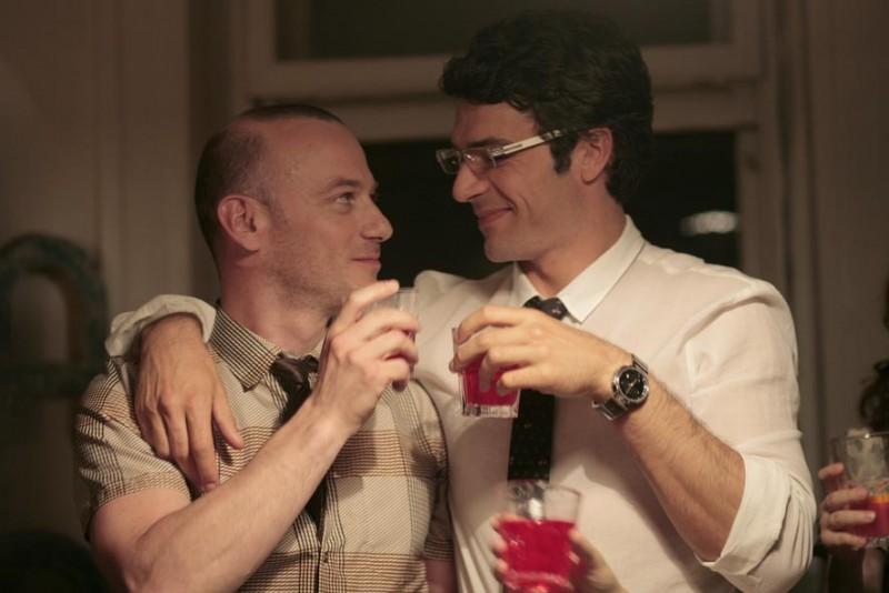 Filippo Nigro e Luca Argentero sono i protagonisti della commedia Diverso da chi?