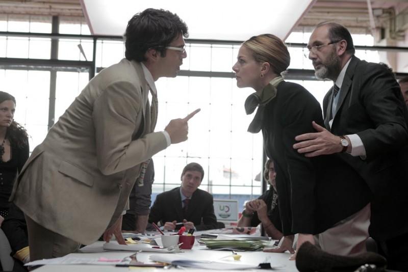 Luca Argentero e Claudia Gerini in una immagine del film Diverso da chi?