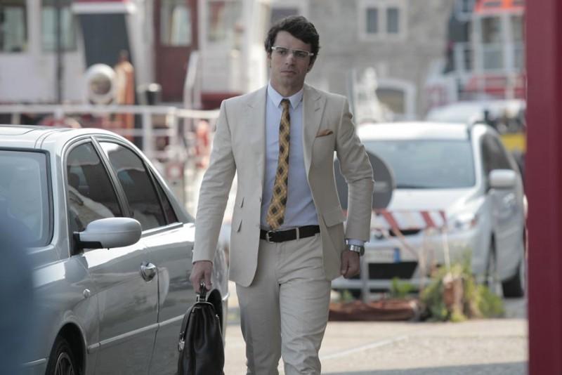 Luca Argentero è il protagonista della commedia Diverso da chi?