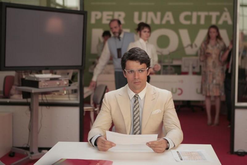 Luca Argentero è uno dei protagonisti della commedia Diverso da chi?