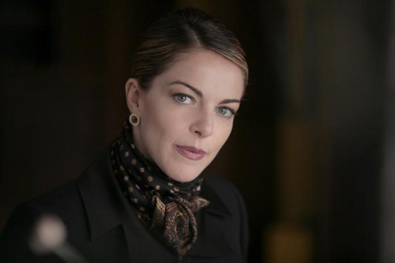 Un primo piano di Claudia Gerini sul set del film Diverso da chi?