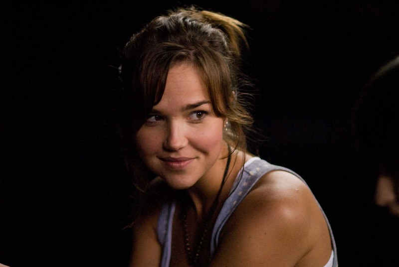 Arielle Kebbel è Alex nel film The Uninvited