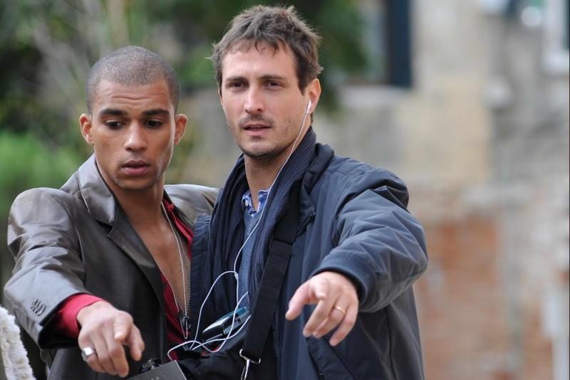 Aurelien Gaya e il regista Volfango De Biasi sul set del film Iago