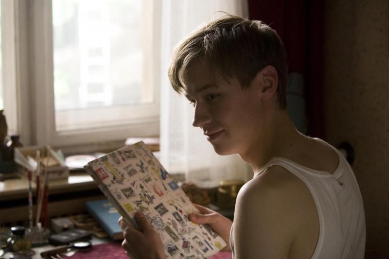 David Kross in una scena del film The Reader