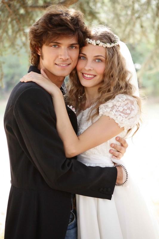 Emanuele Bosi e Maria P. Petruolo in una foto promozionale del film romantico Questo piccolo grande amore
