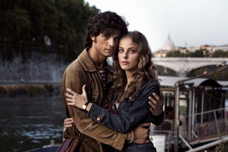Emanuele Bosi e Maria P. Petruolo in una foto promozionale di Questo piccolo grande amore