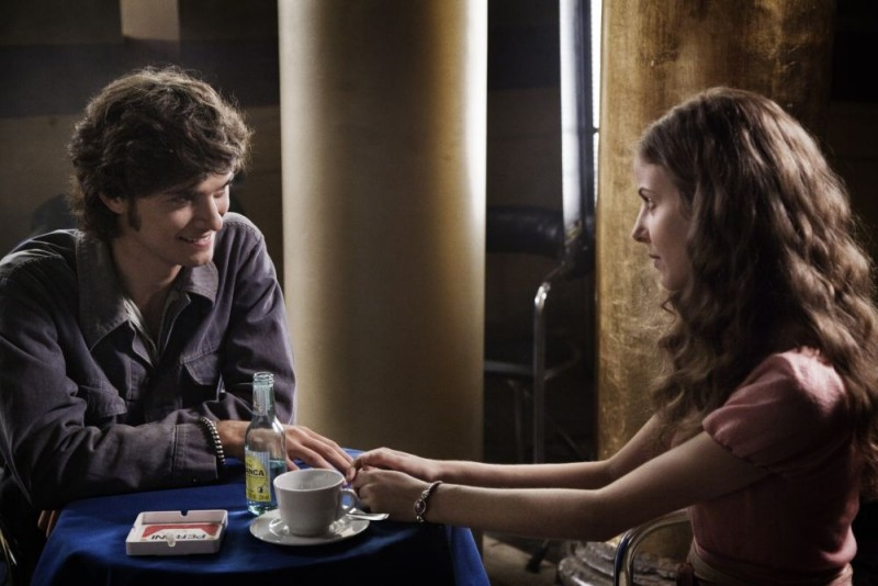 Emanuele Bosi e Maria P. Petruolo in una sequenza del film Questo piccolo grande amore