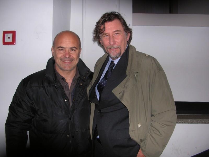 Francesco Giordano e Luca Zingaretti durante le riprese de Le ali della sfinge, episodio della serie Il Commissario Montalbano.