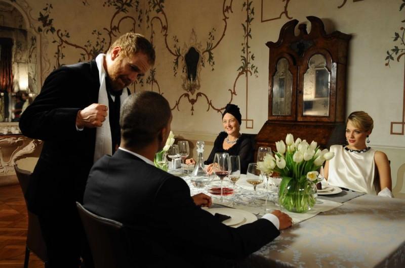 Gabriele Lavia e Laura Chiatti in una sequenza del film Iago