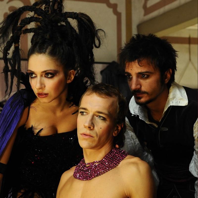 Giulia Steigerwalt, Lorenzo Gleijeses e Nicolas Vaporidis in una scena del film Iago