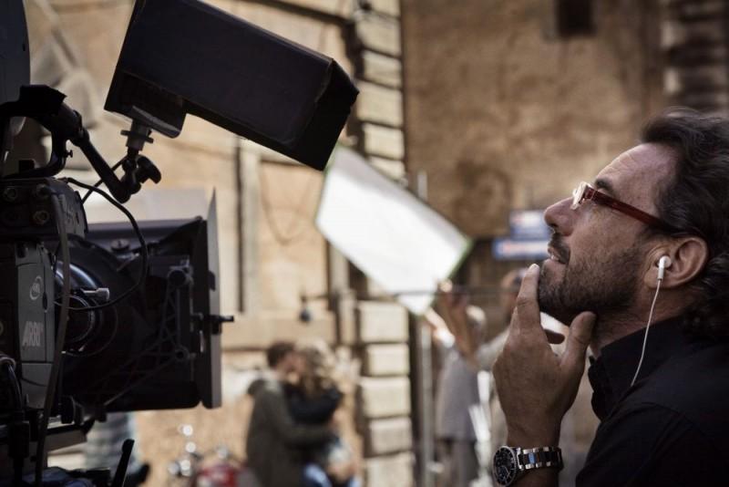 Il regista Riccardo Donna sul set del film Questo piccolo grande amore