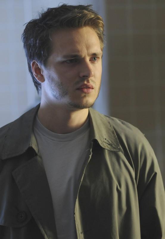 Jonathan Jackson in una scena dell'episodio The Good Wound di The Sarah Connor Chronicles
