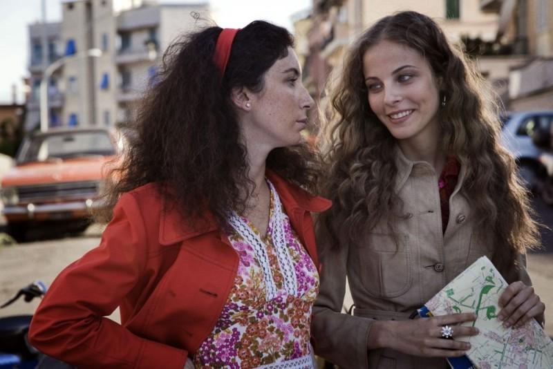 Maria P. Petruolo in una sequenza del film Questo piccolo grande amore