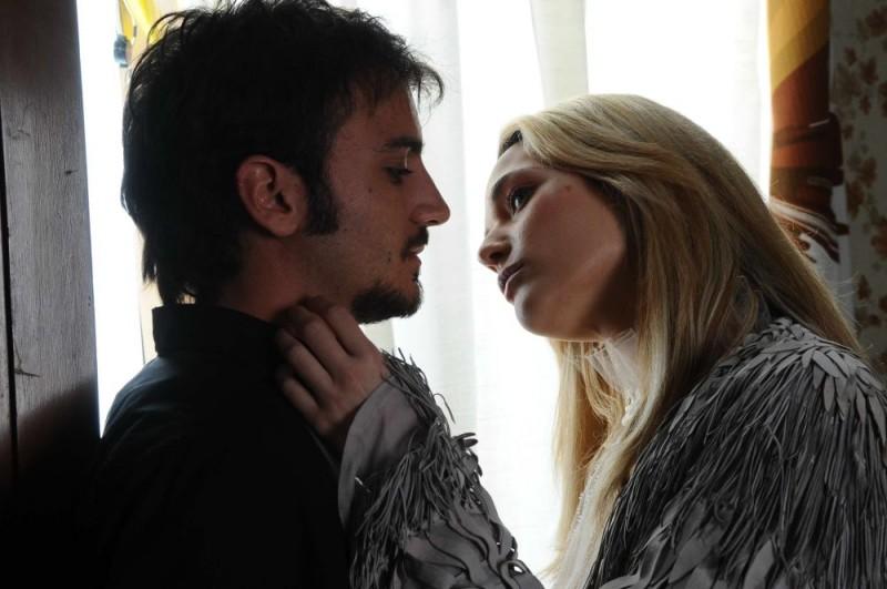 Nicolas Vaporidis e Laura Chiatti in un'immagine del film Iago