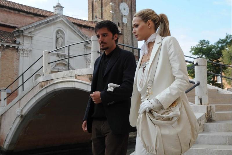 Nicolas Vaporidis e Laura Chiatti in una scena del film Iago