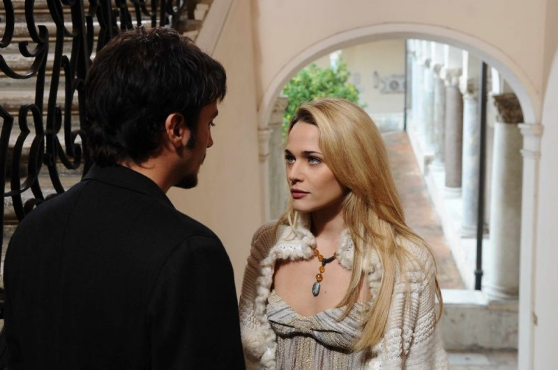 Nicolas Vaporidis e Laura Chiatti in una sequenza del film Iago