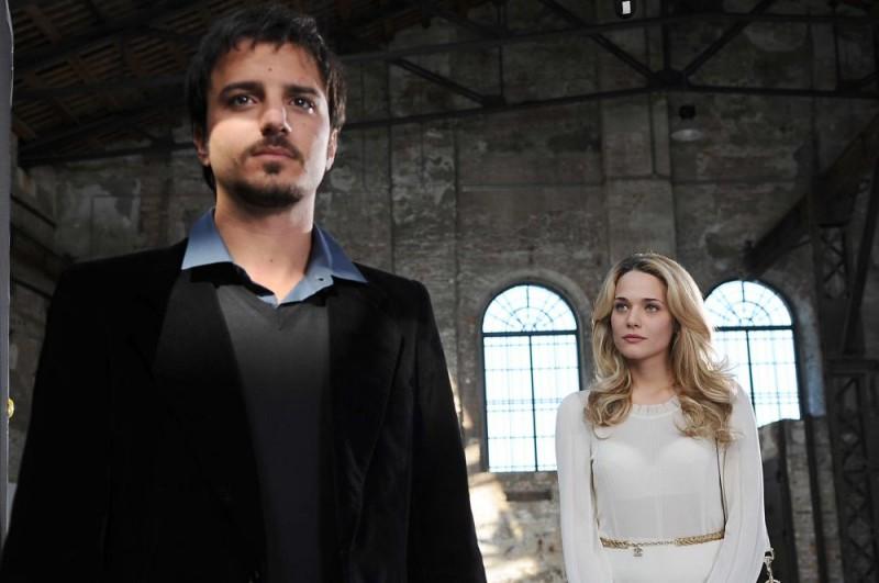 Nicolas Vaporidis e Laura Chiatti in una sequenza di Iago