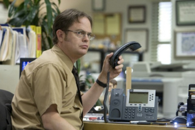 Rainn Wilson in una scena dell'episodio Customer Survey di The Office