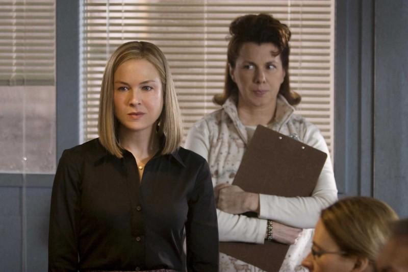 Renée Zellweger e Siobhan Fallon in una scena del film New in Town