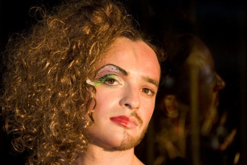 Due identità sessuali in una sequenza del film Fucking Different Tel Aviv