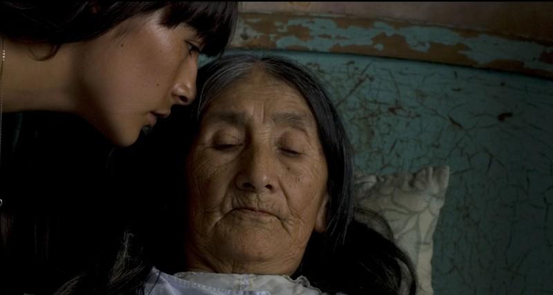 Magaly Solier e Anita Chaquiri nel film The Milk of Sorrow (La teta asustada)