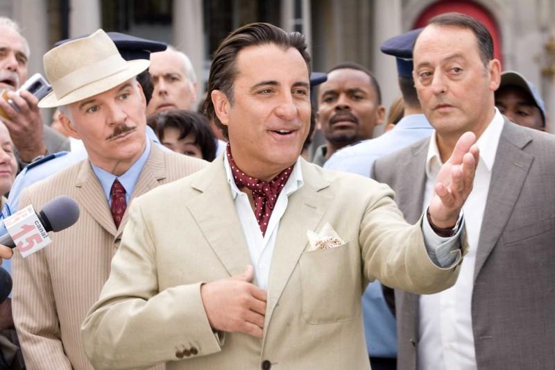 Steve Martin, Andy Garcia e Jean Reno in una scena del film La pantera rosa 2
