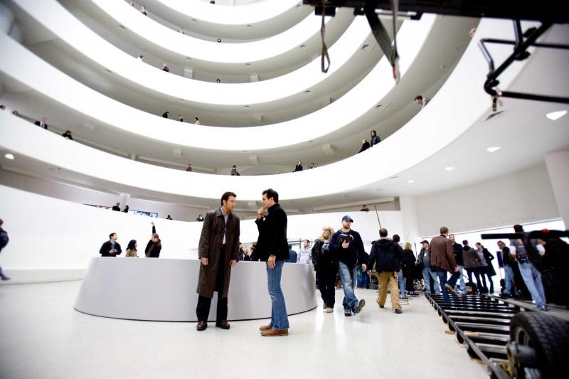 Clive Owen e il regista Tom Tykwer sul set del film The International