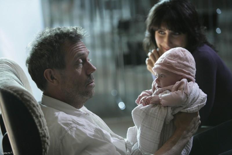 Hugh Laurie e Lisa Edelstein in una scena dell'episodio Big Baby di Dr. House: Medical Division