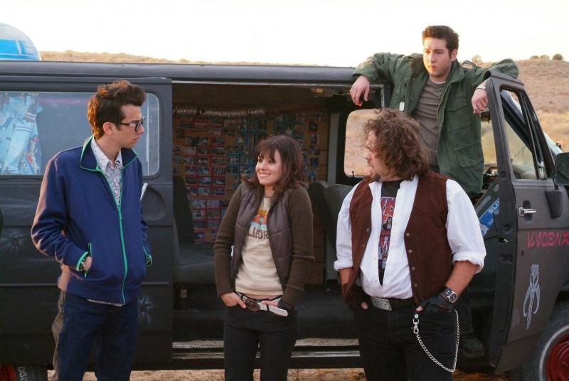 Jay Baruchel, Kristen Bell, Dan Fogler e Sam Huntington e in una scena del film Fanboys