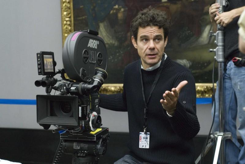 Tom Tykwer sul set di The International