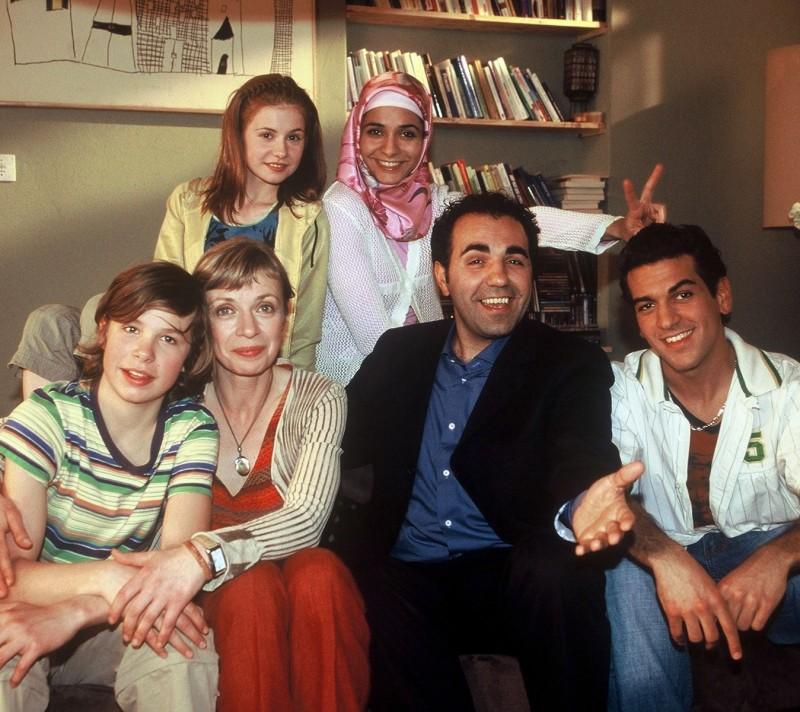Elyas M'Barek in una immagine promo del serial Kebab for Breakfast