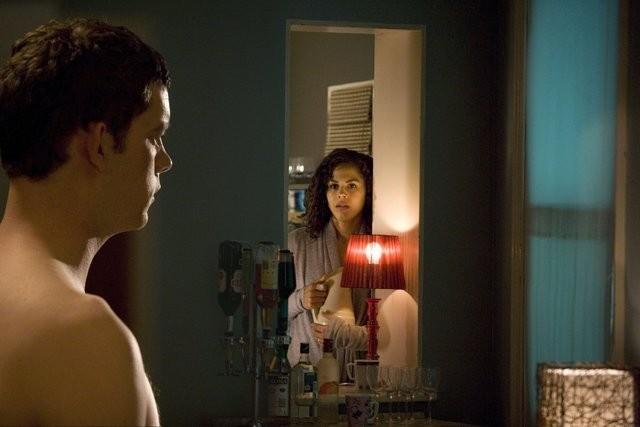Russell Tovey e Lenora Crichlow in una scena della serie di Being Human