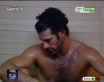 Grande Fratello 9 - Alberto in sauna