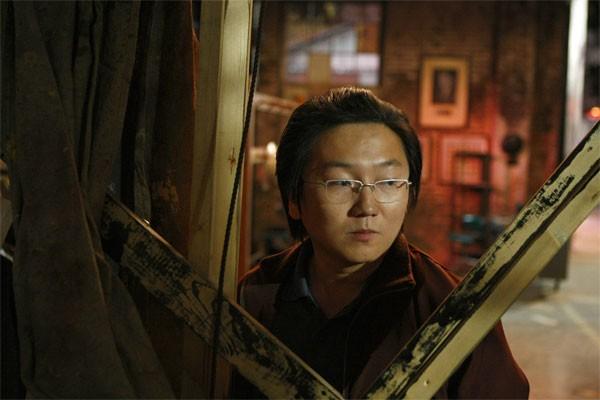 Masi Oka in una scena di A Clear and Present Danger, episodio della terza stagione di Heroes