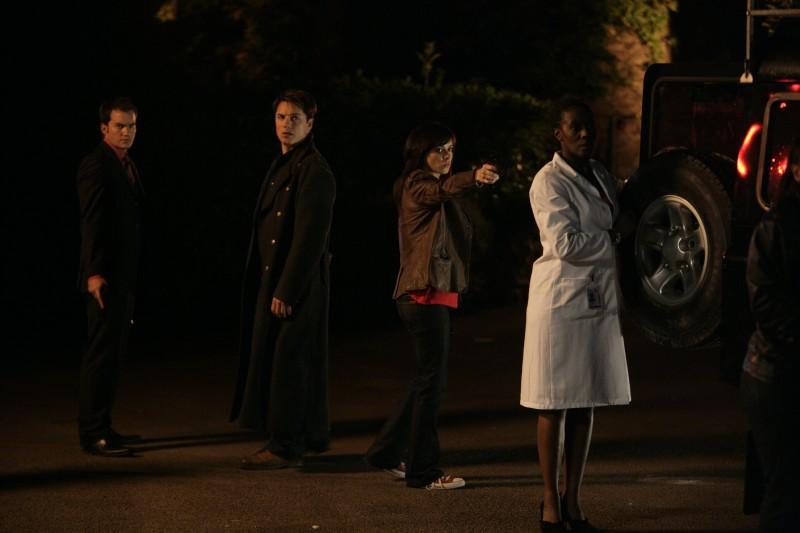 Gareth David-Lloyd, John Barrowman, Eve Myles e Jacqueline Boatswain  nell''episodio 'Reset' della serie tv Torchwood