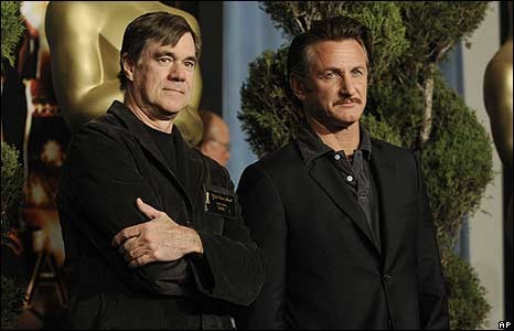 Gus Van Sant  e Sean Penn all'Oscar Luncheon 2009
