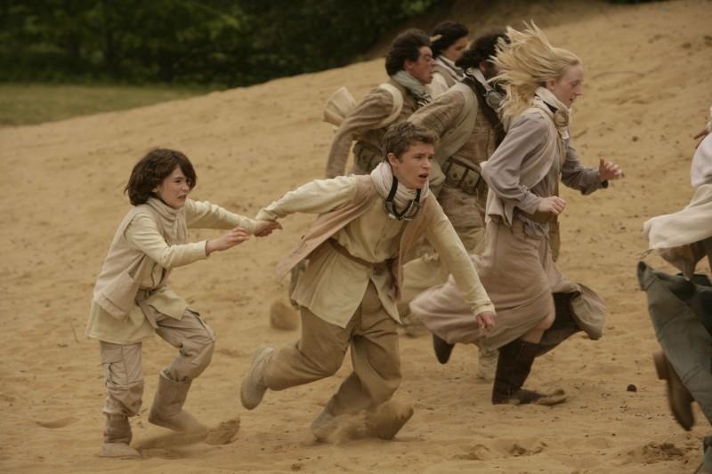 Jack Montgomery nel ruolo del giovane Jack Harkness nell'episodio 'Adam' della seconda stagione di Torchwood