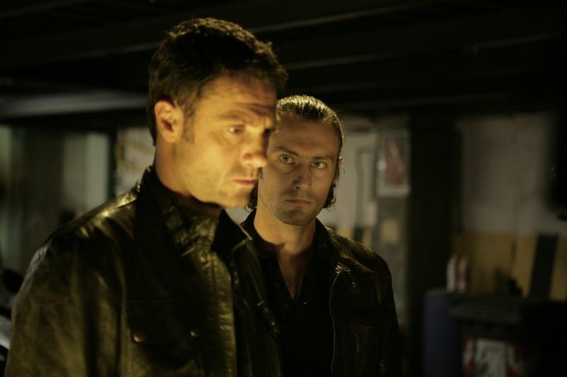 Marco Falaguasta e Paolo Casiraghi in una scena dell'episodio Il concorso de Il bene e il male