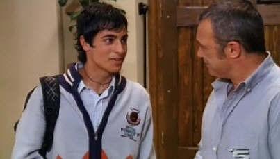 Nunzio De Luca e Claudio Amendola in una scena della serie I Cesaroni